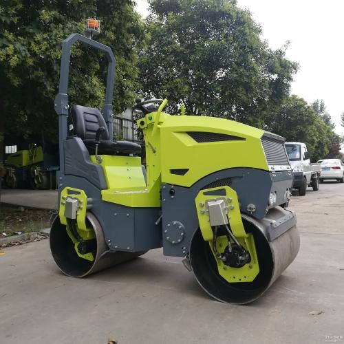 思拓瑞克st1200 全液压座驾式压路机