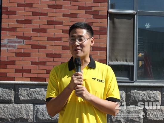 办事处主任刘磊代表玉柴重工发言