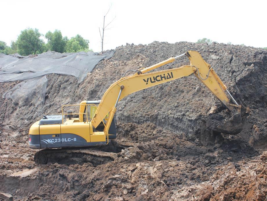 玉柴重工YC230LC-8挖掘机