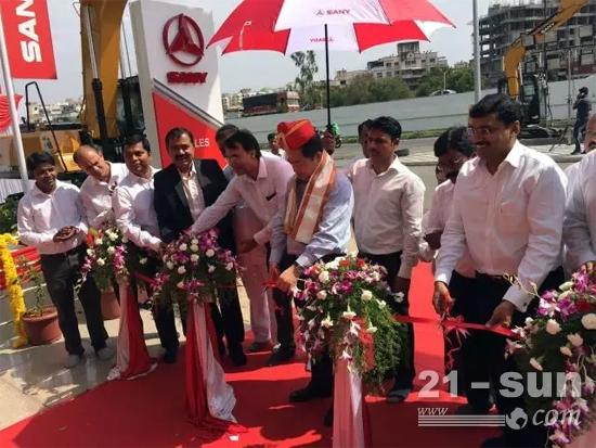 三一印度生产的第4000台设备在普纳产业园下线