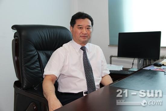 中国工程机械工业协会常务副会长兼秘书长苏子孟