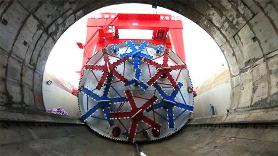全球首台马蹄形盾构机掘进里程突破千米大关