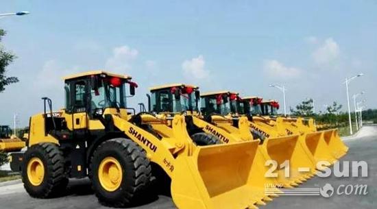山推5台SL53H轮式装载机顺利交付于兖矿煤业
