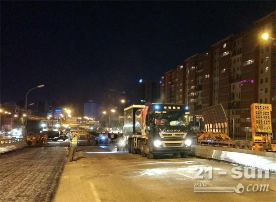 美通筑机LMT5318TFCW沥青纤维碎石同步封层车在北京施工