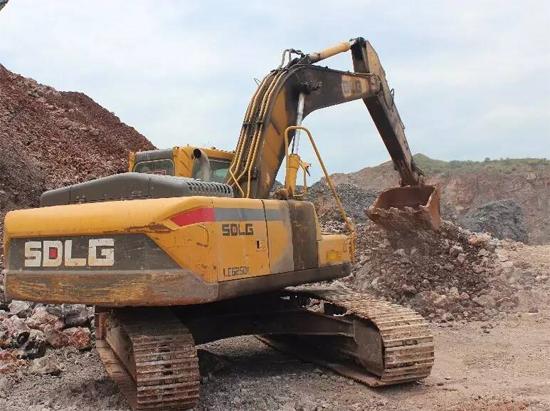 山东临工LG6250E挖掘机