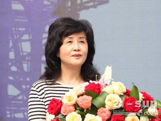 湖南省建设厅副厅长宁艳芳致辞