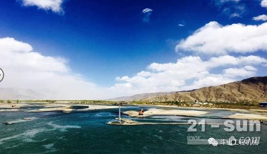 斗山橙助力世界最高海拔公路建设