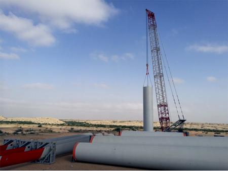 QUY350履带起重机正在风电项目现场施工