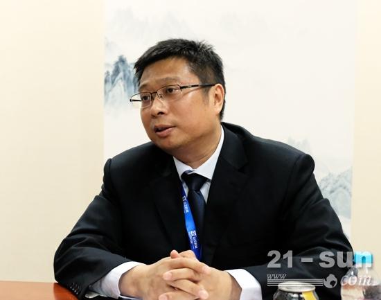 山工机械品牌中国区渠道和销售经理罗伟