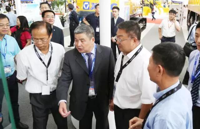 王庆祝副总裁亲自讲解徐工产品