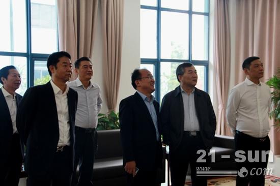 陕煤集团党委书记、董事长杨照乾在庞源租赁调研