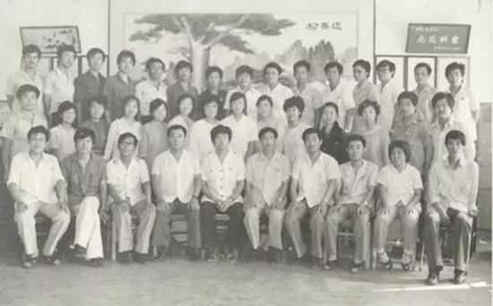 1982年,谭旭光担任技术团支部书记