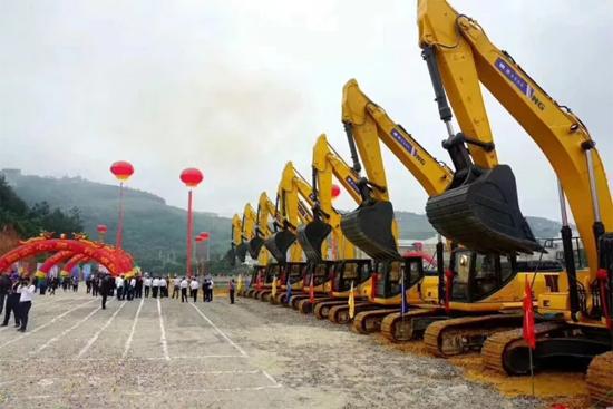 百色市隆林各族自治县鹤东大道建    项目设建成后将完善隆林县城城市路网