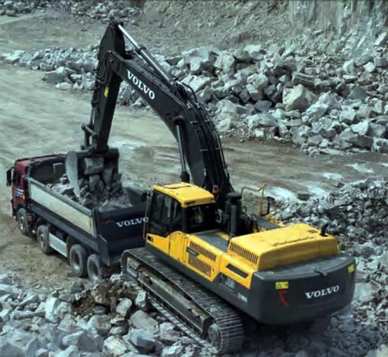 燃油效率是沃尔沃EC480DL挖掘机关注的焦点