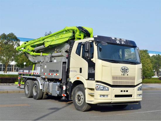 参加国际轨道交通产业博览会的精品泵车