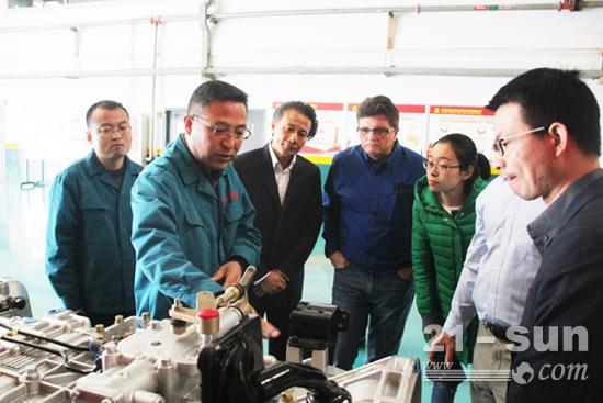 美国UQM科技公司一行访问中国重汽