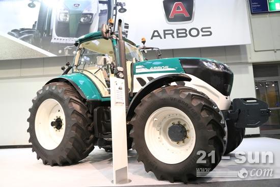 阿波斯P7000拖拉机亮相汉诺威国际农机展