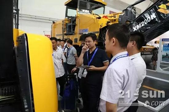 BICES2017 徐工首次展示纯电动高空作业平台GTBZ14JD