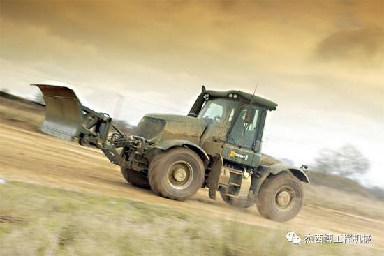 JCB军工产品系列之五——JCB高速拖拉机