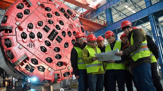 中铁十六局首台TMB大型掘进装备在沈阳顺利下线