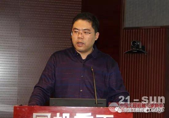 济南汽车检测中心有限公司刘顺利介绍四阶段排放标准草案情况
