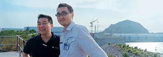 威克诺森大中华区总裁卫志刚、中交第四航务工程局有限公司第二工程公司总工程师董政先生(从左到右)