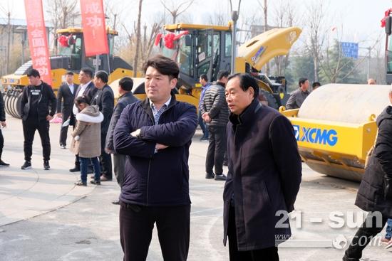 客户参观徐工道路产品