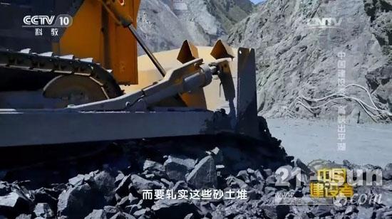 山推SD32大马力推土机马力全开,保证工期