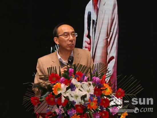 山东省经济和信息化委员会散装水泥办公室主任谭爱兵发言