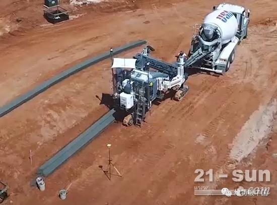SP 15i滑模摊铺机在阿拉巴马州作业