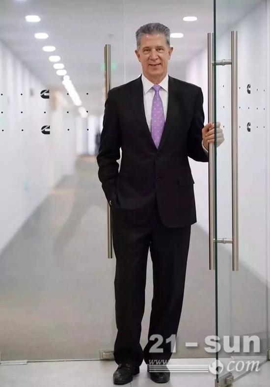 曹思德(Steven M.Champman),全球领先动力解决方案供应商康明斯集团副总裁