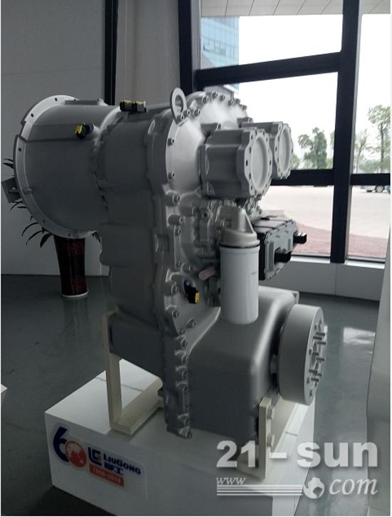 新一代装载机变速箱落户柳州采埃孚机械