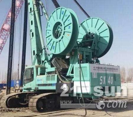 2018年1月宁夏银川穿越黄河供热工程75米超深地连墙施工现场