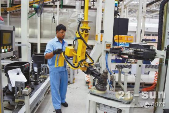 法士特泰国工厂生产线