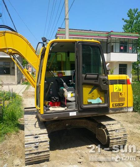 人生中第一台挖机山东临工E680F