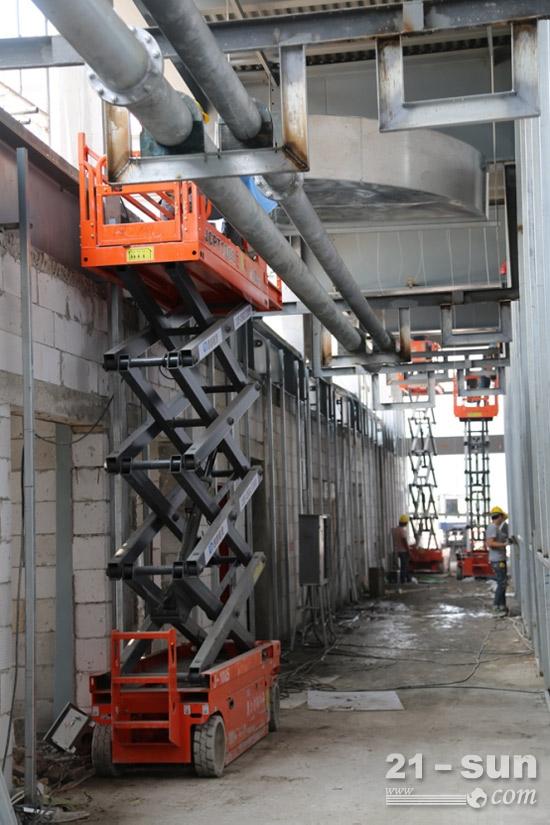 工程施工方选择鼎力高空作业平台