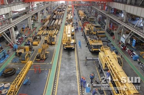 徐工起重机再制造工厂