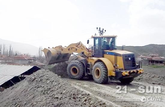 ZL50G在土耳其矿山施工