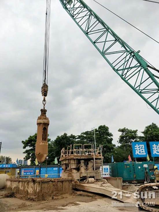 该工程项目地层结构和周边环境复杂