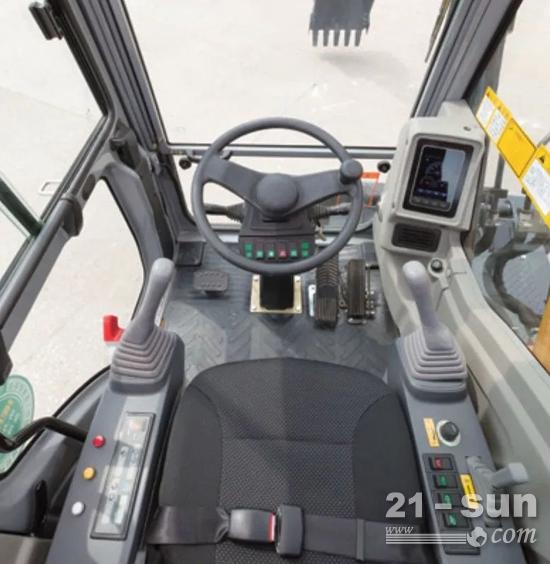 全新智能控制系统,最大程度的利用发动机的输出功率
