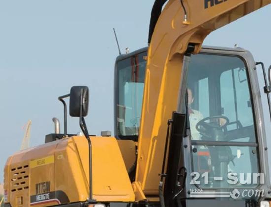 HT75W车型触动臂由前置式改为侧置式,使剜刨重心后移