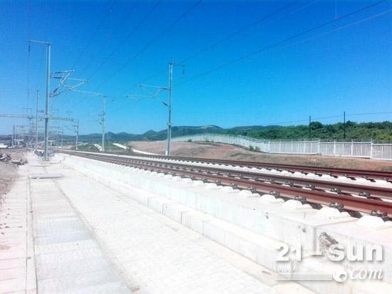 徐工铁装TZJ800L型自密实混凝土移动搅拌车,适用于高速铁路CRTSIII型板式无砟轨道专用混凝土的生产
