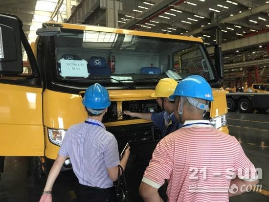 中国重汽曼技术国六发动机进入起重机市场