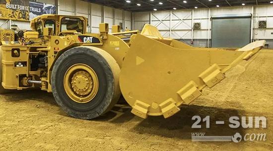 R1300型电动铲运装载机(LHD)