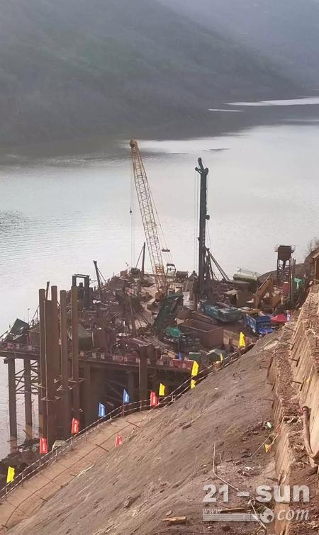现场施工的山河智能旋挖钻