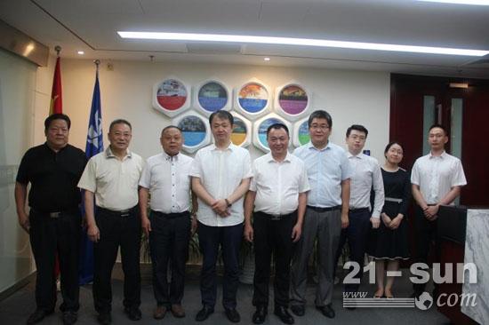 东风重工与中能建设备租赁(北京)有限公司签署战略合作框架协议
