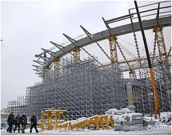 挑战高寒天气 参与叶卡捷琳娜堡竞技场场馆建设