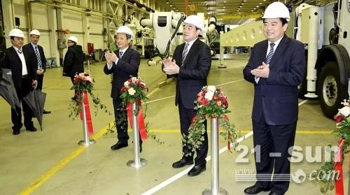 时任徐州市市长周铁根考察施维英公司盛赞企业发展变化