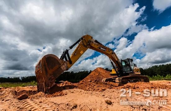 一台三一SY75挖掘机正在施工