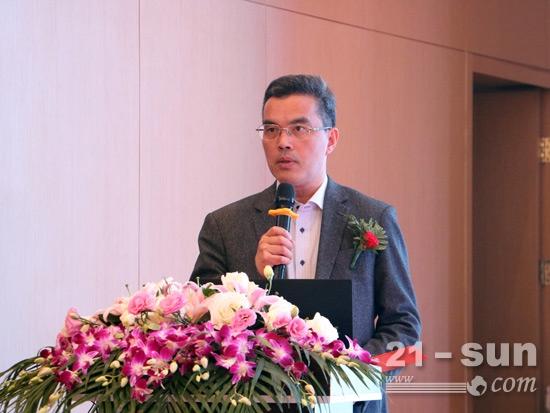 工程机械协会桩工机械分会秘书长黄志明